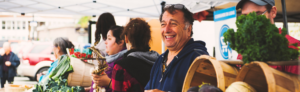 Marché public de Granby et région : une heureuse gagnante du panier cadeau